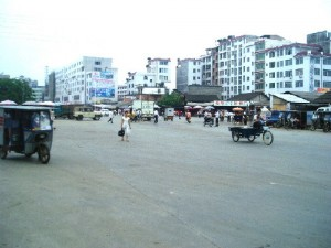 A large crossroads without traffic lights in Hezhou City