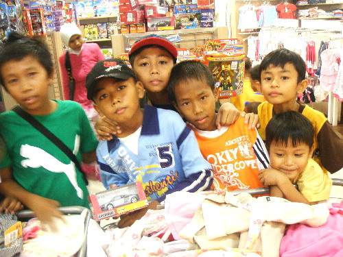 Children at Hypermarket in Nagoya Hill Megamall