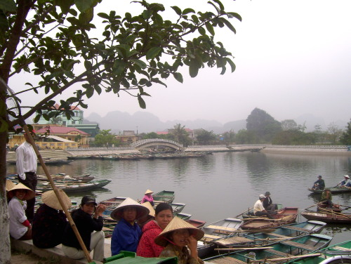 Tam Coc boat-rowers waiting for tourists