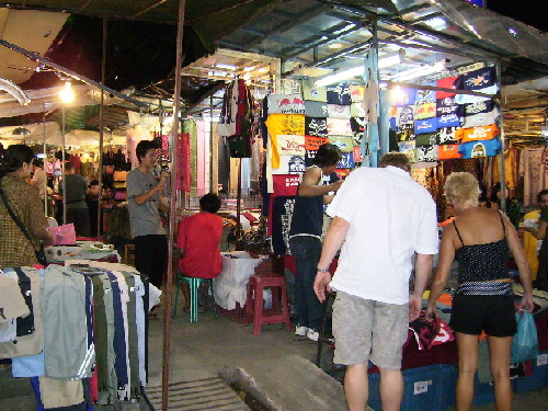 Roadside stalls along Chan Klan Road are opened in the evening