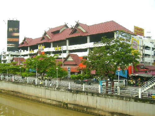 Warorot Market by the Ping River, Chiang Mai