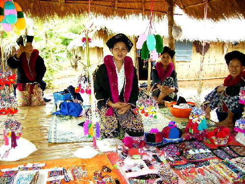 Yao ladies selling handmade articles