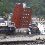 Morakot Caused a Hotel to Topple Over into a Raging River (8.8.09)